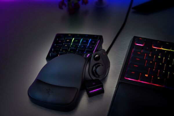 "KEYPAD RAZER TARTARUS V2 GAMING, Mecha-Membrane Technology, 32 fully programmable keys, Razer Chroma backlighting with 16.8 million customizable color options, Razer Synapse 2 (Mac) enabled, ""RZ07-02270100-R3M1"""